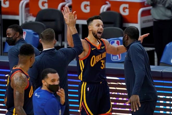 Curry y los Warriors también pueden con Miami Heat 120-112