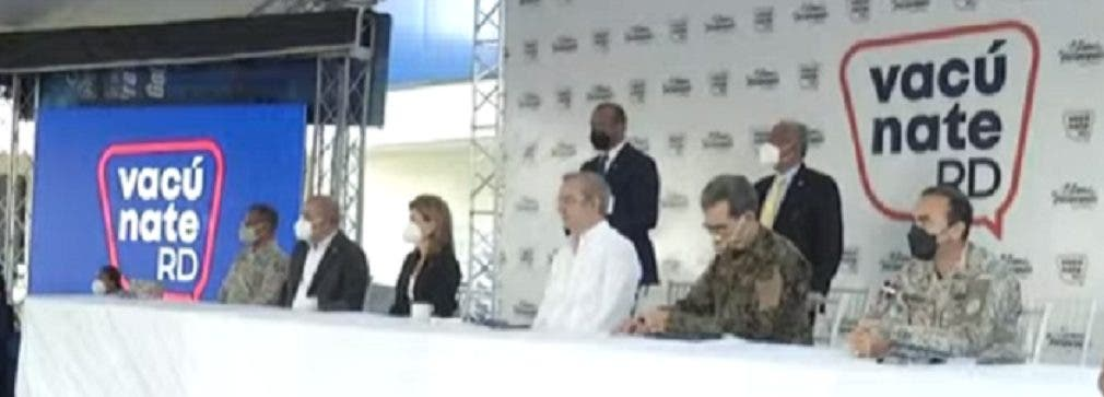 Presidente Luis Abinader encabeza Plan Nacional de Vacunación