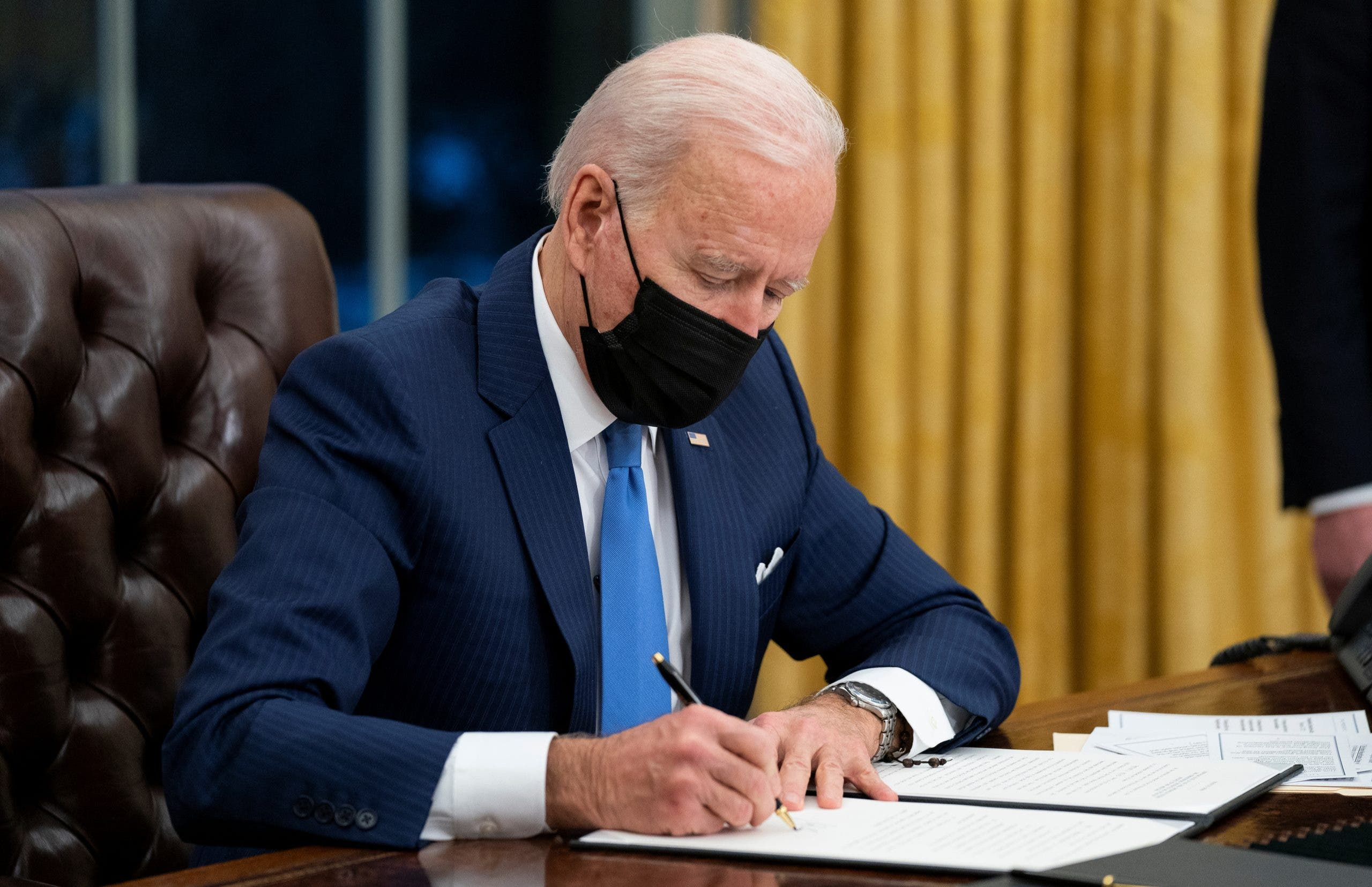 """Biden estará """"bastante ocupado"""" para seguir el juicio político a Trump"""