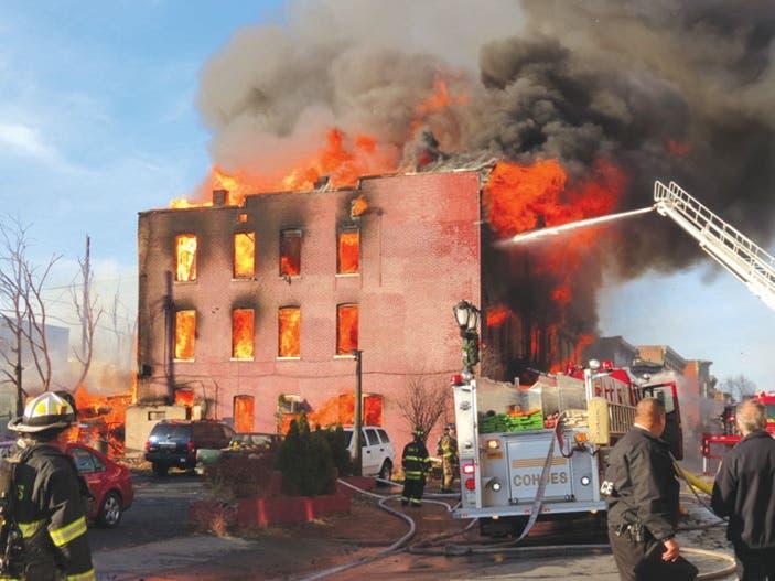 Explosión en El Bronx deja 9 heridos, incluidos dos de gravedad