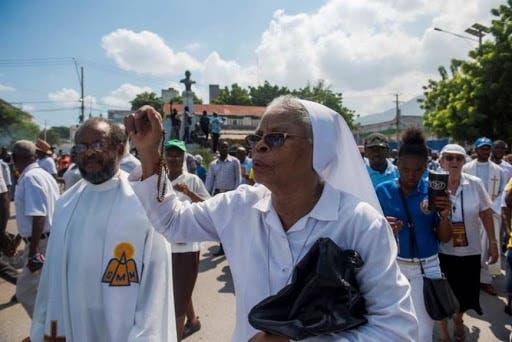 La Iglesia católica sugiere al presidente de Haití dejar el poder