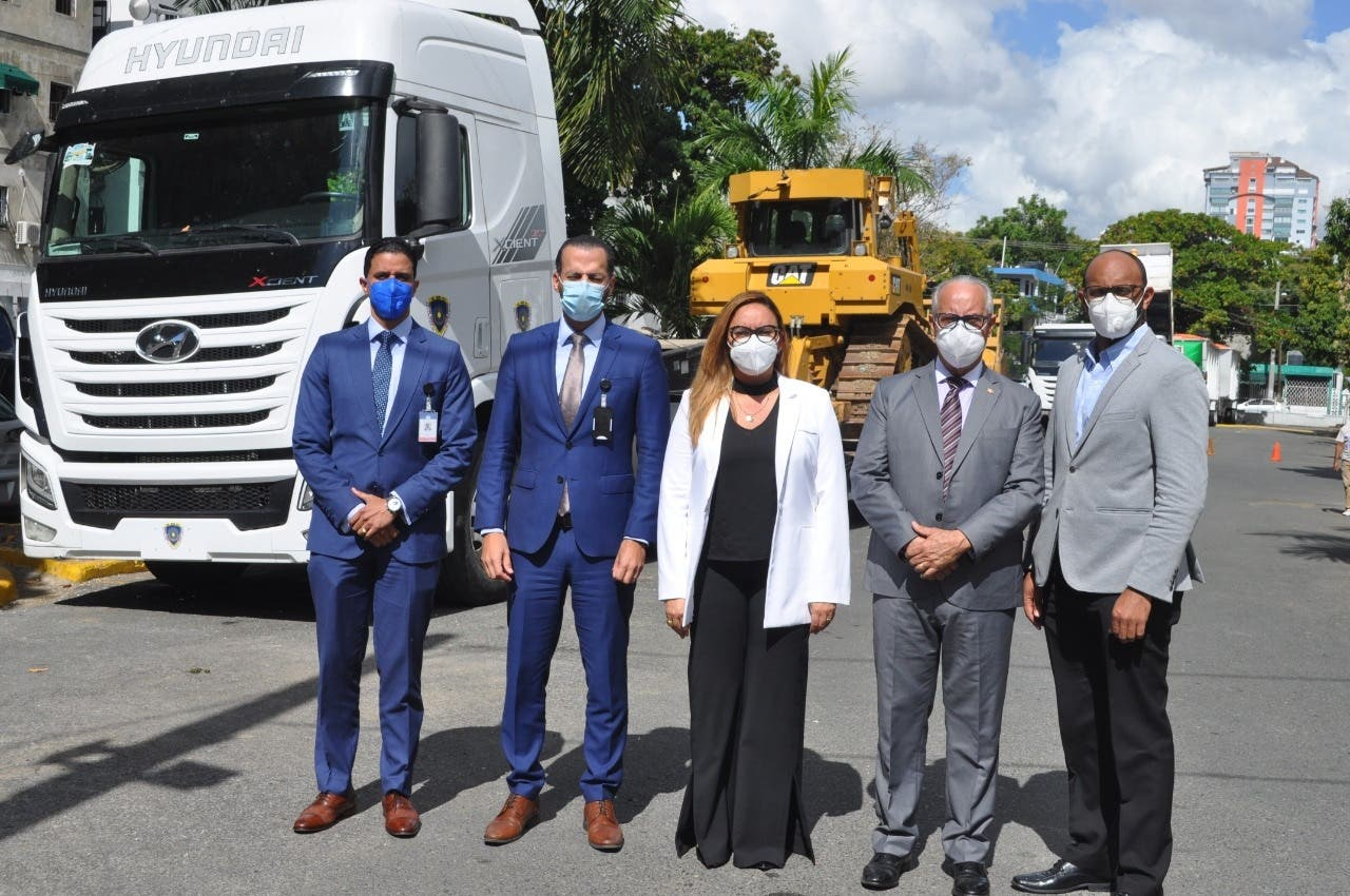 La LMD aporta equipos para la operatividad de los vertederos de Higüey y Haina