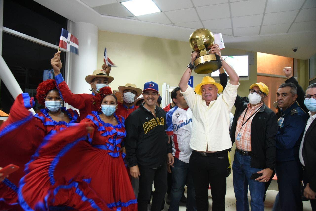 Llegan al país los campeones de la Serie del Caribe 2021