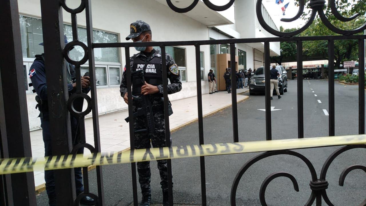 Así fue el allanamiento realizado hoy en la Cámara de Cuentas / Fotos: José de León