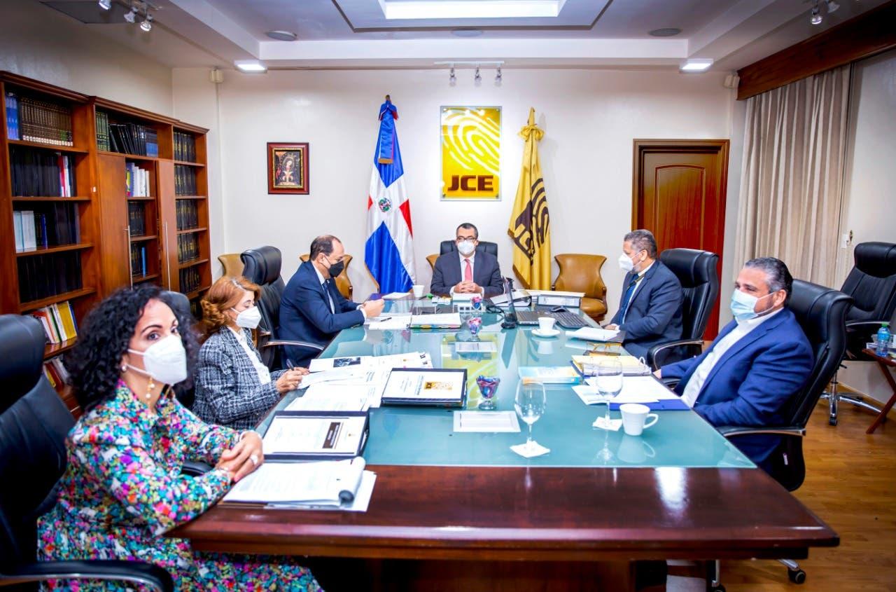 JCE entrega propuestas de modificación a Ley sobre Actos del Estado Civil