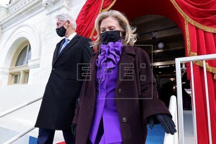 Hillary Clinton colabora en una novela de suspense sobre un mundo en caos