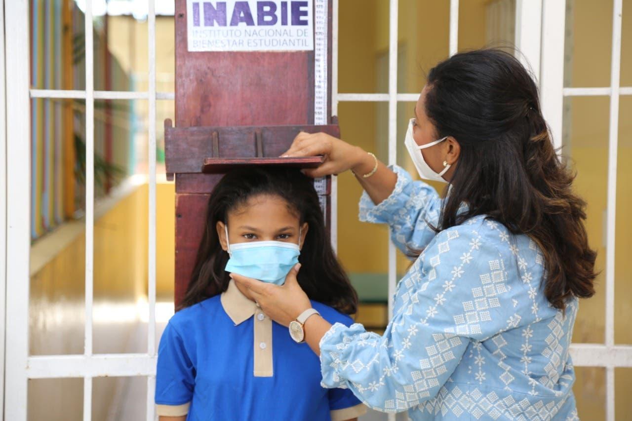 Inabie beneficia 4 mil estudiantes en primera jornada de evaluación nutricional integral
