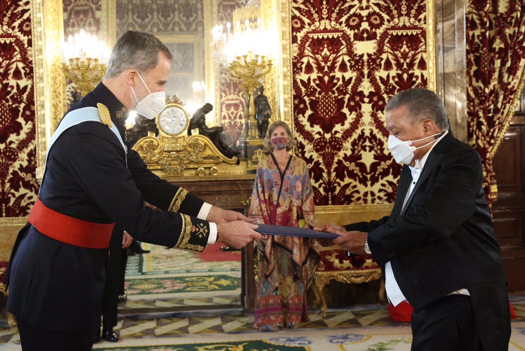 Embajador Juan Bolívar Díaz presenta cartas credenciales ante el Rey de España
