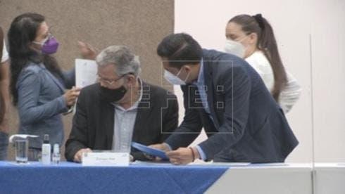 Arauz y Lasso pasan a la segunda vuelta de las presidenciales de Ecuador