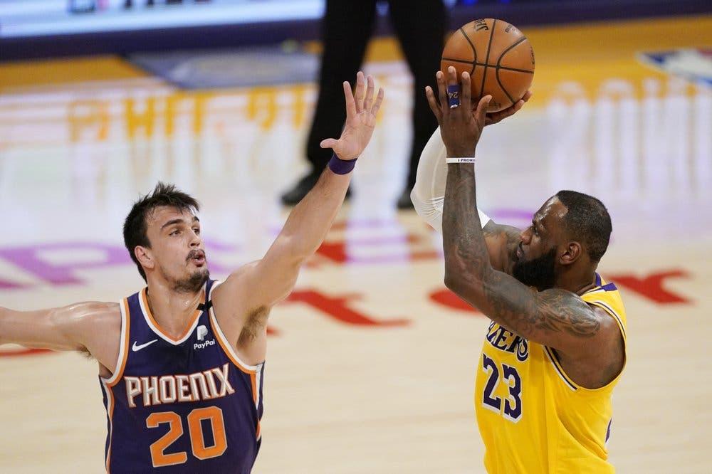 James y Durant eligen sus equipos para el Juego de Estrellas del domingo
