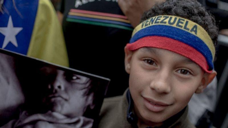 El gobierno de EE.UU. anuncia protección migratoria especial para miles de venezolanos
