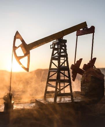 OPEP eleva la producción en 220 mil barriles de petróleo