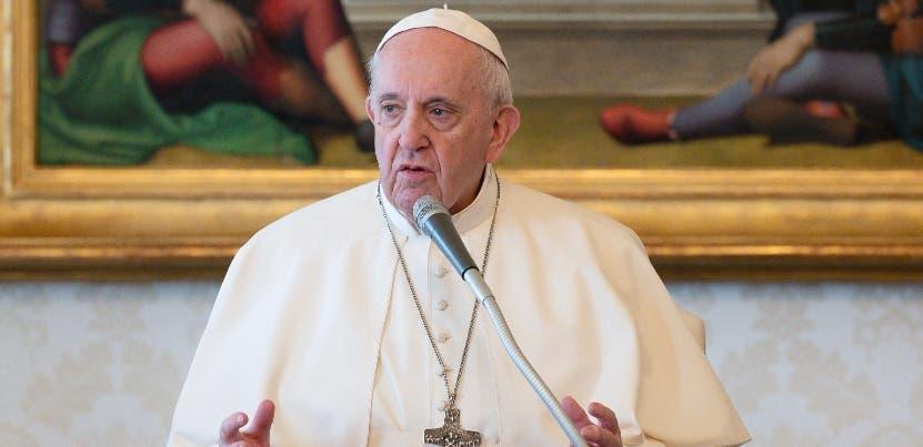 """El papa advierte de que el daño al planeta """"amenaza la vida en la Tierra»"""