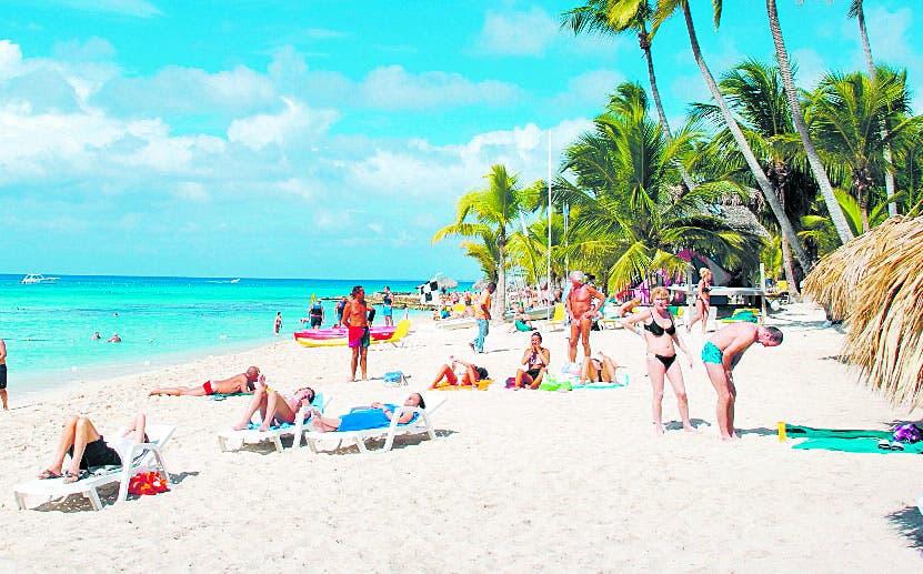 El país recibió 200 mil turistas en junio