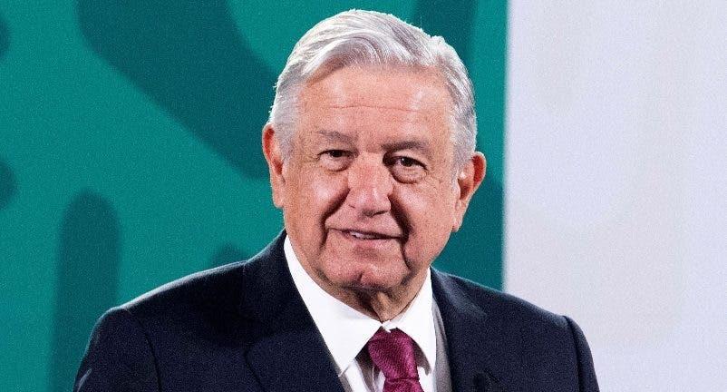 El presidente de México critica la demolición del edificio colapsado en Miami