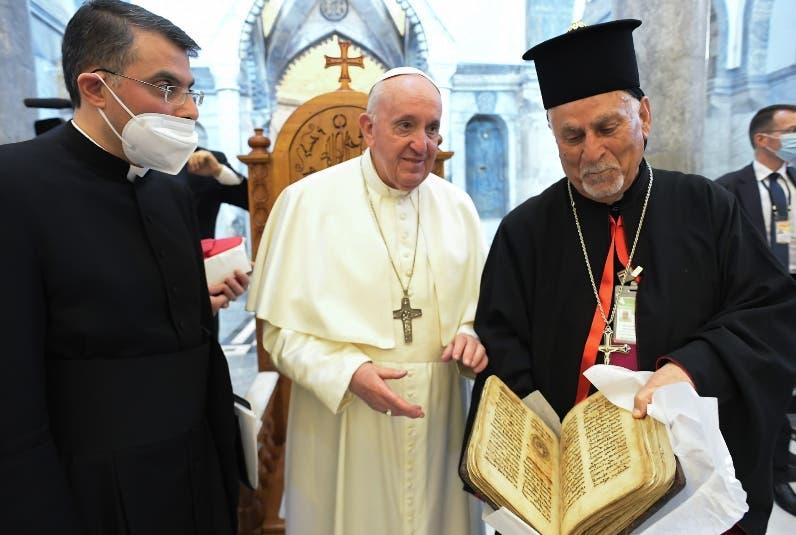 El papa pide cese la guerra en Siria