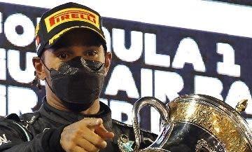 Lewis Hamilton exhibe su garra frente a la adversidad