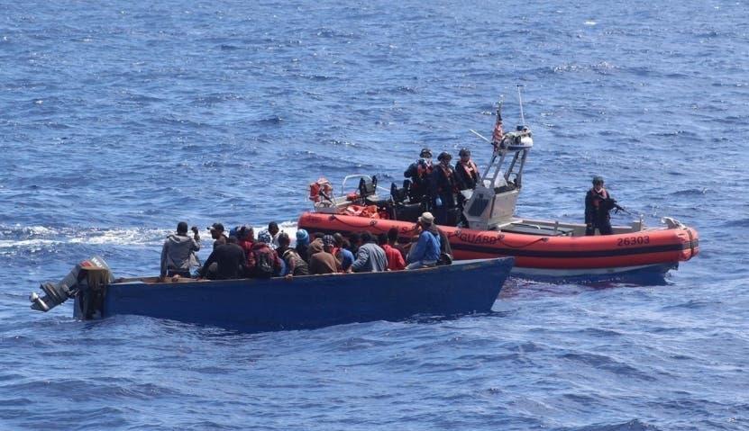 Guardia Costera repatria a 18 inmigrantes a la República Dominicana
