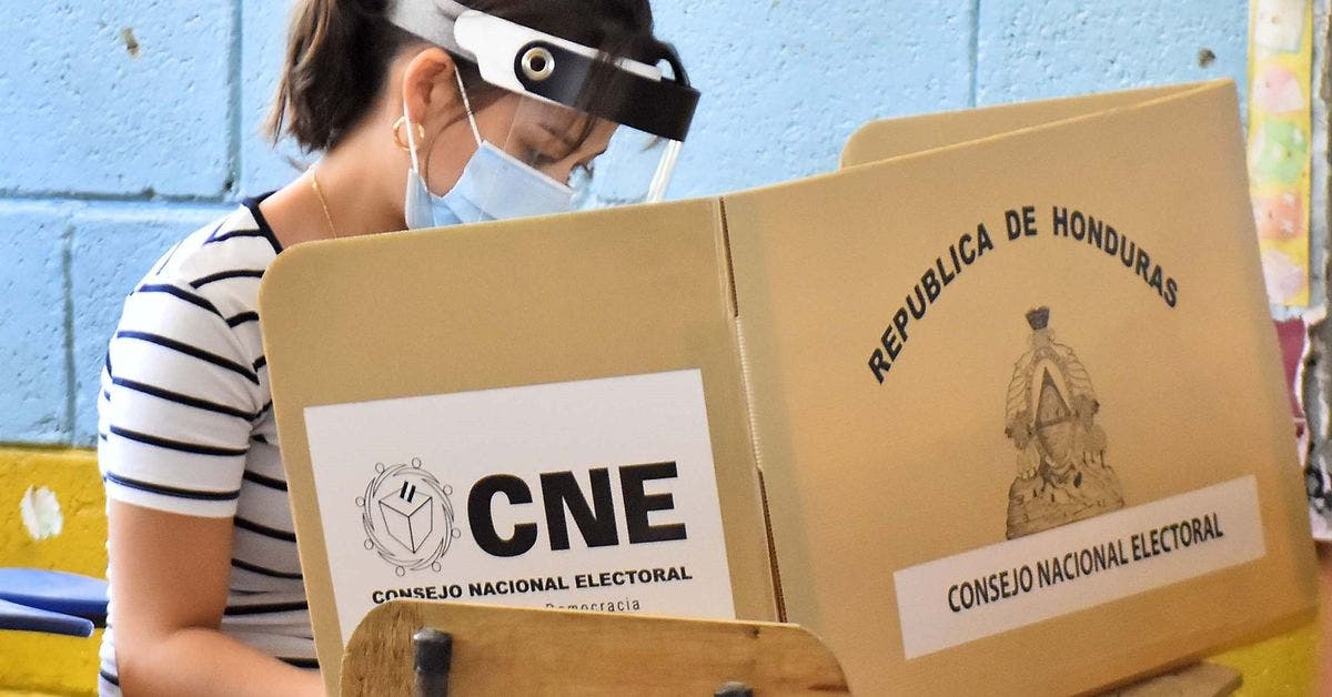 Honduras vive comicios con normalidad pese a retrasos en apertura de centros