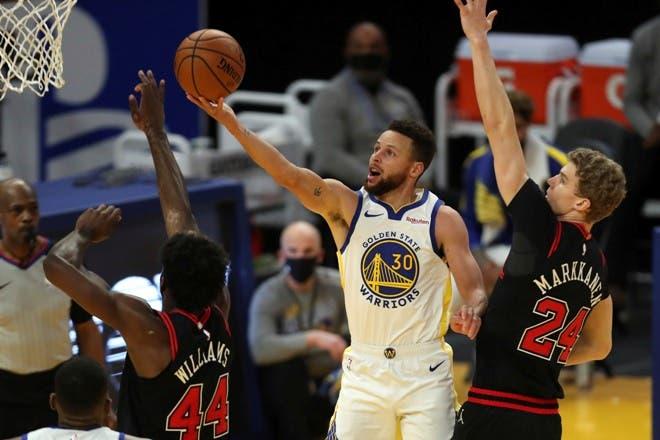 Curry vuelve en forma y Warriors ganan con facilidad a Bulls