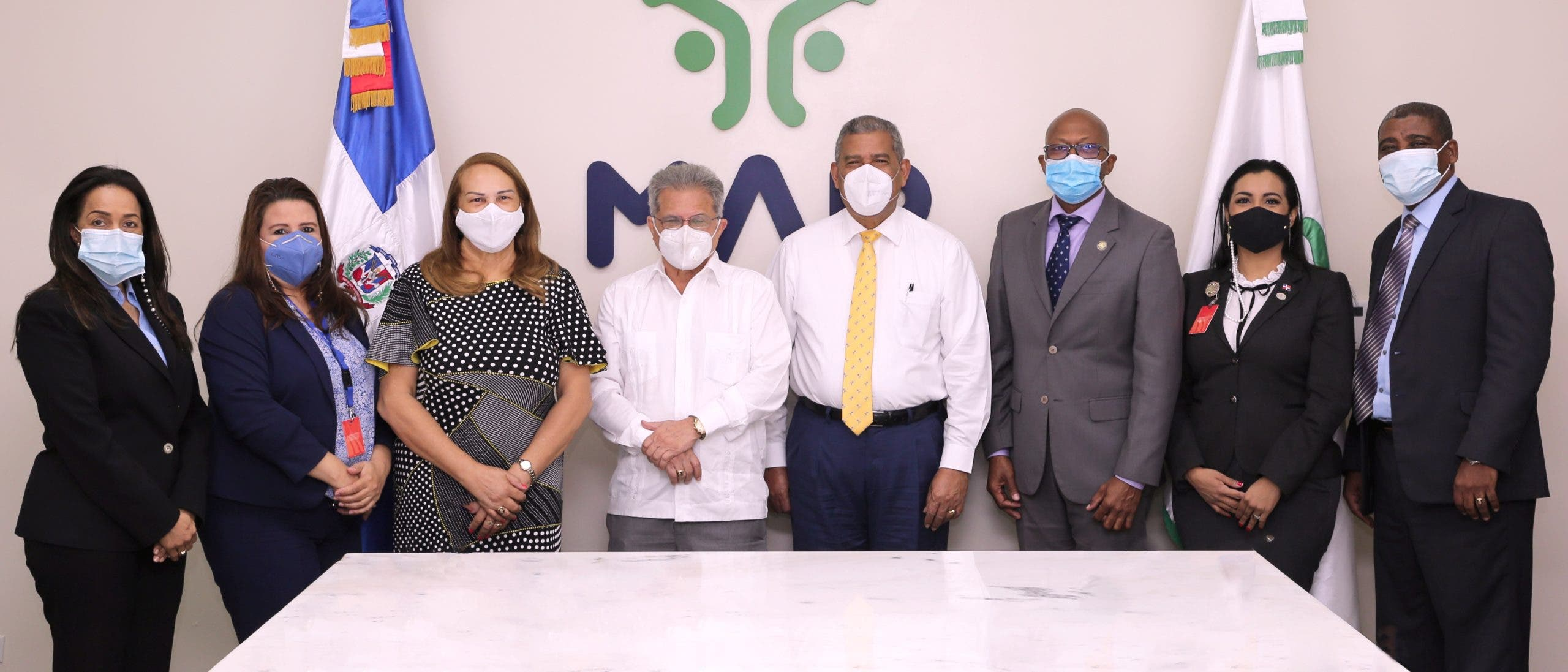 El MAP y CMD abordan cancelaciones y nombramientos de médicos