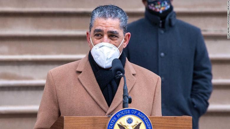 Espaillat continúa lucha en NY para proteger comunidades contra Covid-19