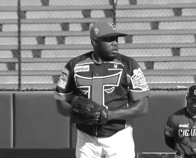 Muere el lanzador dominicano Frankie De la Cruz a los 37 años