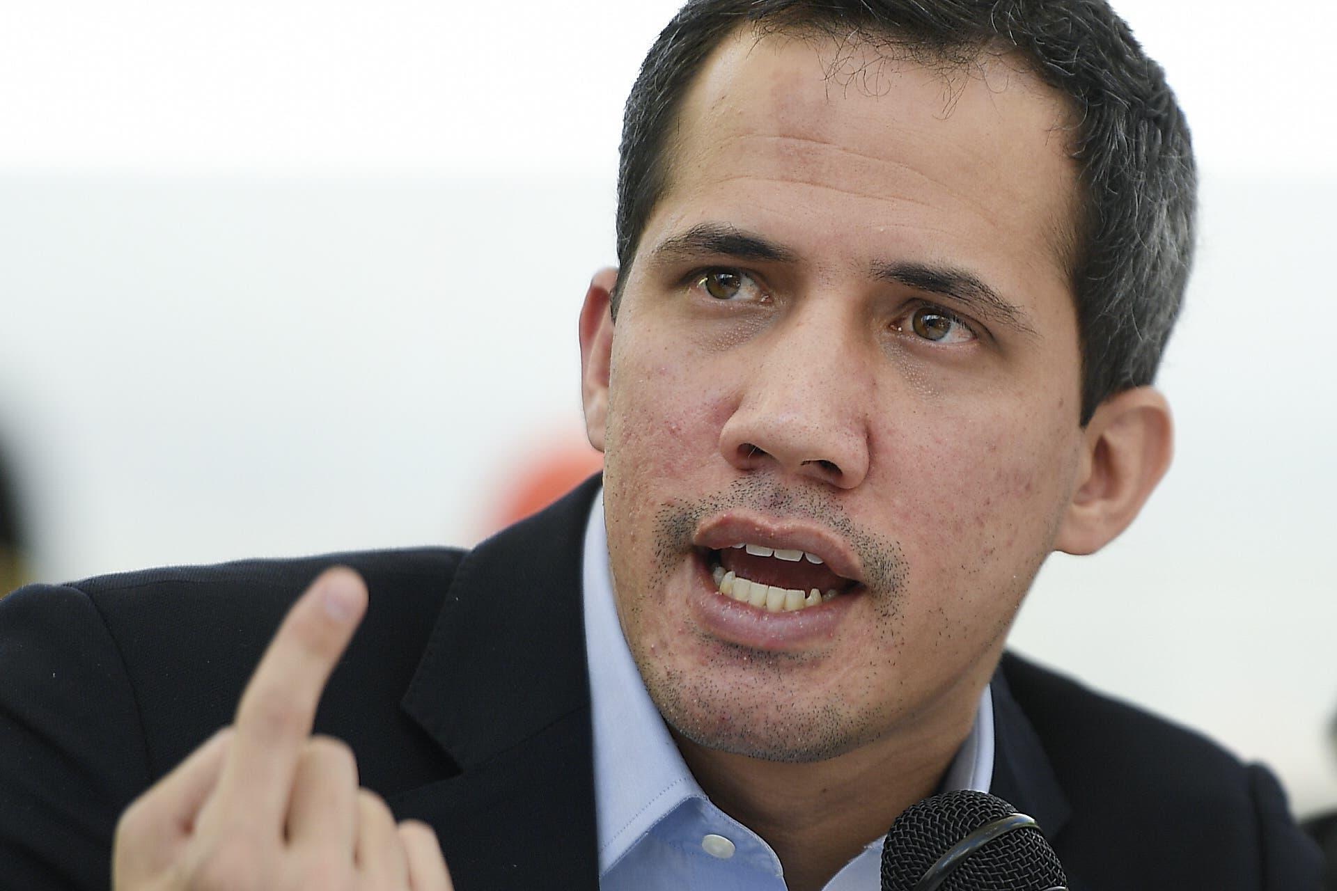 Oposición venezolana concurrirá a elecciones tras escuchar a sus militantes