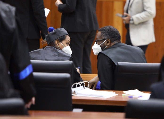 La-fiscal-Mirna-Ortiz-y-el-procurador-adjunto-Wilson-Camacho-en-una-audiencia-del-Caso-Odebrecht-696