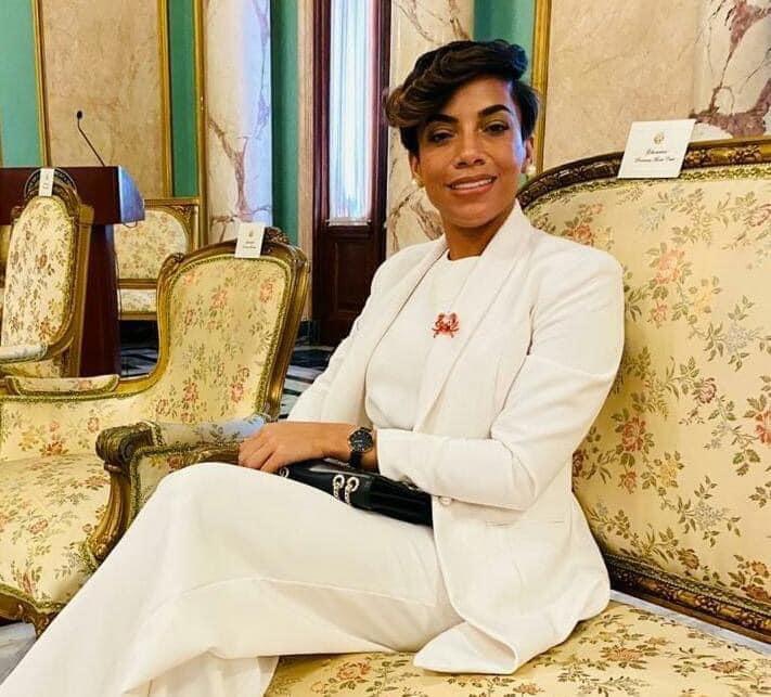 """Gobernadora de Montecristi: """"Compañeros, sus horas están contadas para disfrutar del manjar del poder"""""""