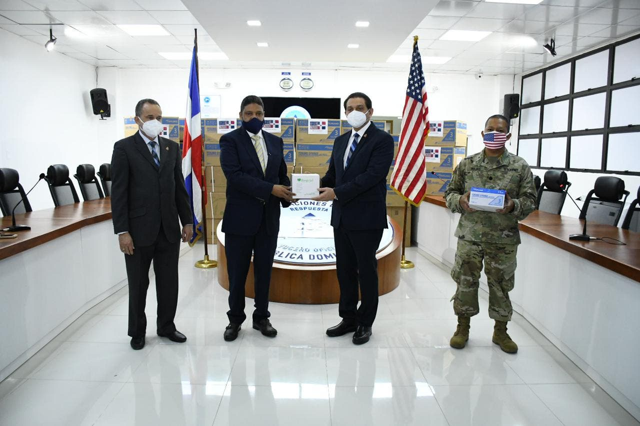 Embajada de EE.UU. dona 200 mil unidades de jeringas para jornada de vacunación
