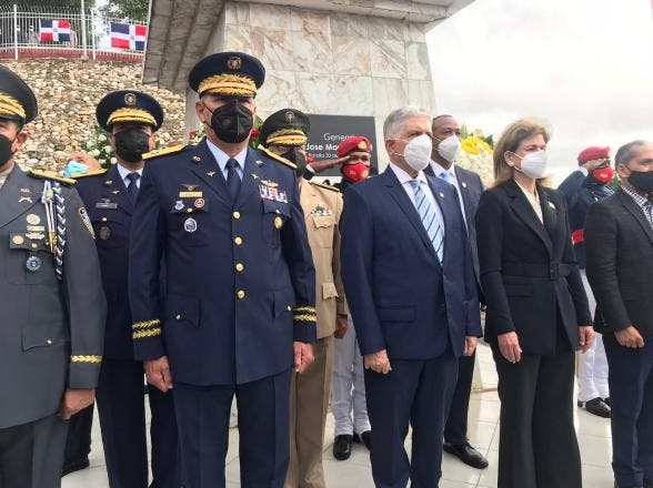 Autoridades de Santiago conmemoran el 177 de la Batalla del 30 de marzo