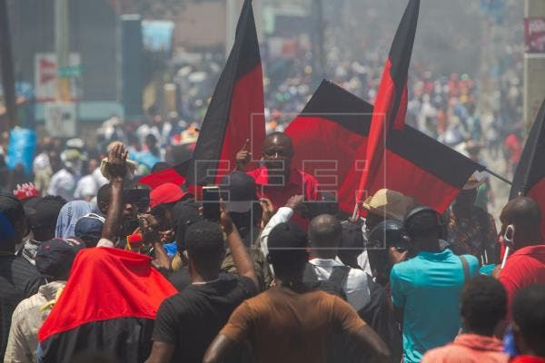 Miles de haitianos rechazan en las calles la Constitución que promueve Moise