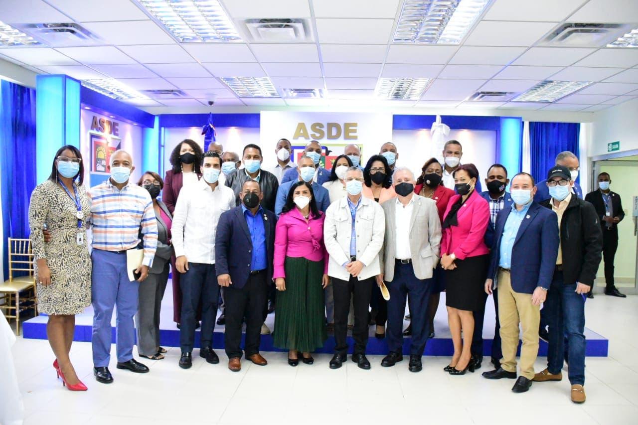 Manuel Jiménez y legisladores coordinarán proyectos de desarrollo en SDE