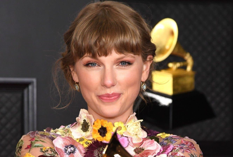 Swift y Beyoncé hacen historia  en los Grammy