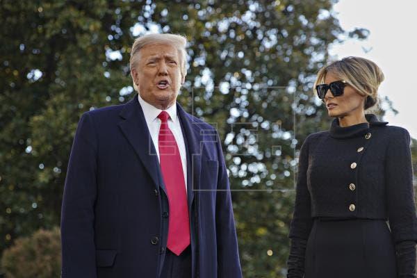 Trump y su esposa se vacunaron antes de abandonar la Casa Blanca, según medios
