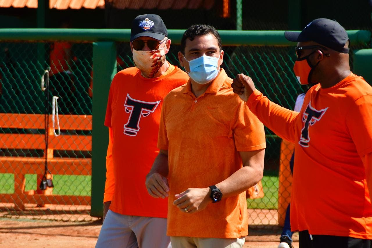 Toros dan extensión de contrato al gerente general Raymond Abreu