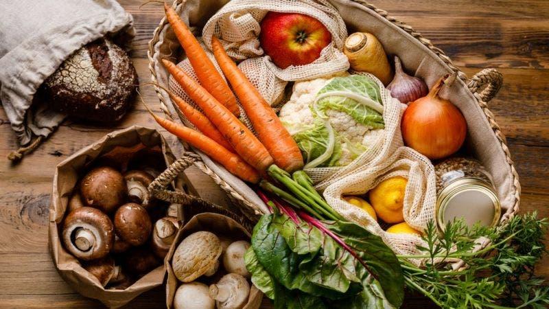 5 reglas para elegir alimentos que mejoren tu salud y la del planeta