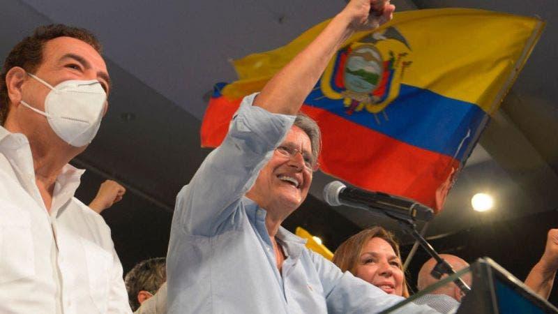 El derechista Lasso derrota al correísta Arauz y será el nuevo presidente de Ecuador