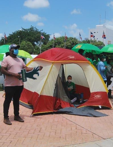 Procausales  instalan otro campamento