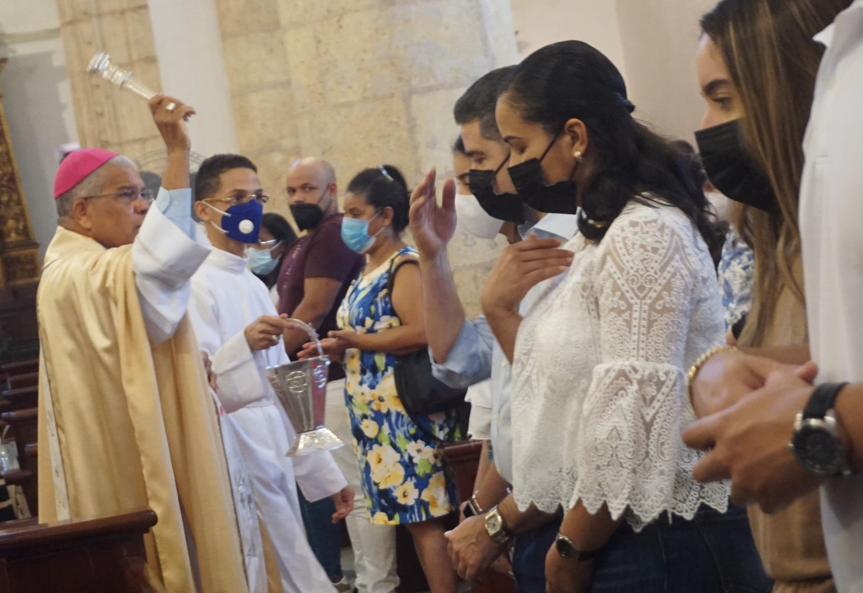 Monseñor Ozoria cierra Semana Santa llamando a rebelión contra desigualdad