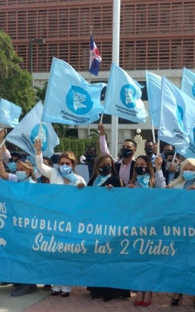 Movimiento provida denuncia  financiamiento para causales