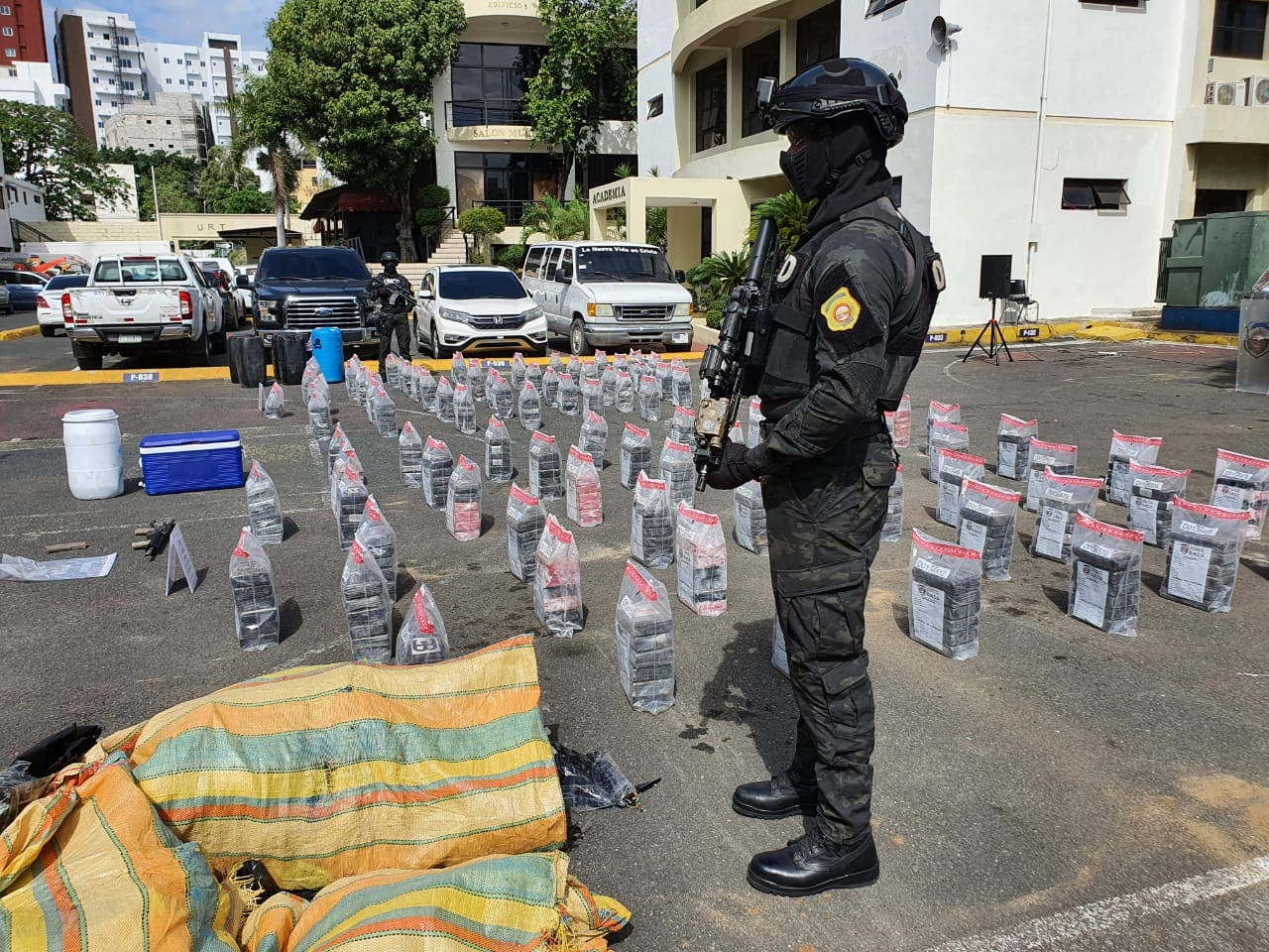 DNCD decomisa 615 paquetes de droga en costas de San Pedro de Macorís y Azua