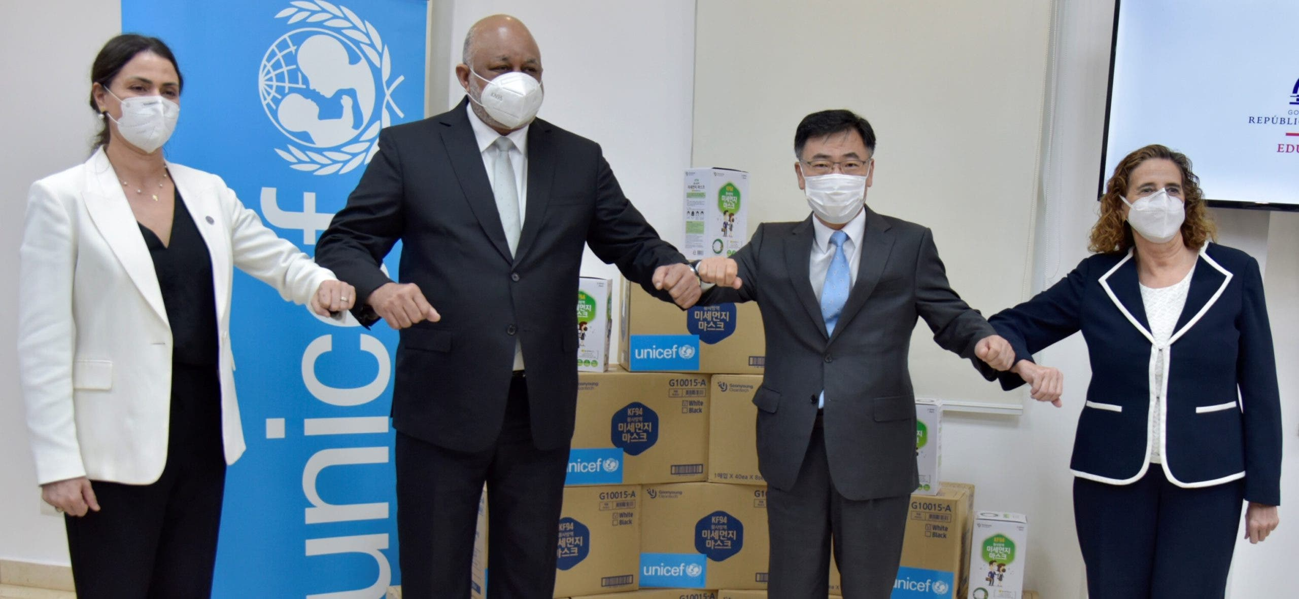 Embajada de Corea y UNICEF entregan 500 mil mascarillas al Gobierno dominicano