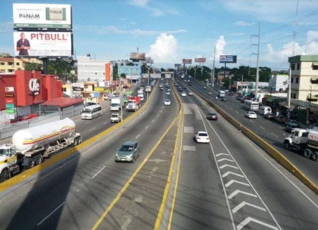 MOPC cerrará este sábado carriles en elevado de la 27 de Febrero por trabajos de asfaltado