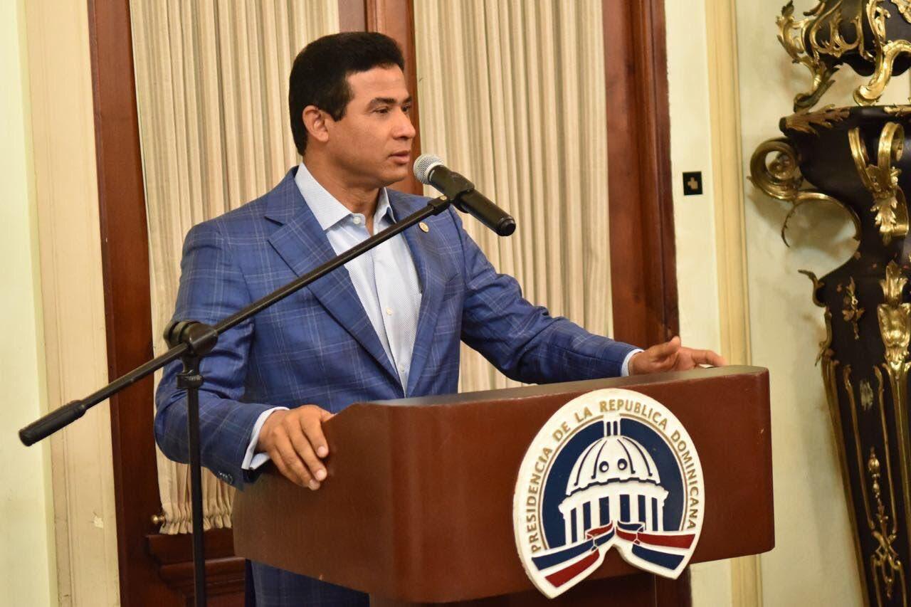 General Adán Cáceres le incautaron grabaciones de Juan T.H. y Domingo Páez e informes del Congreso PLD