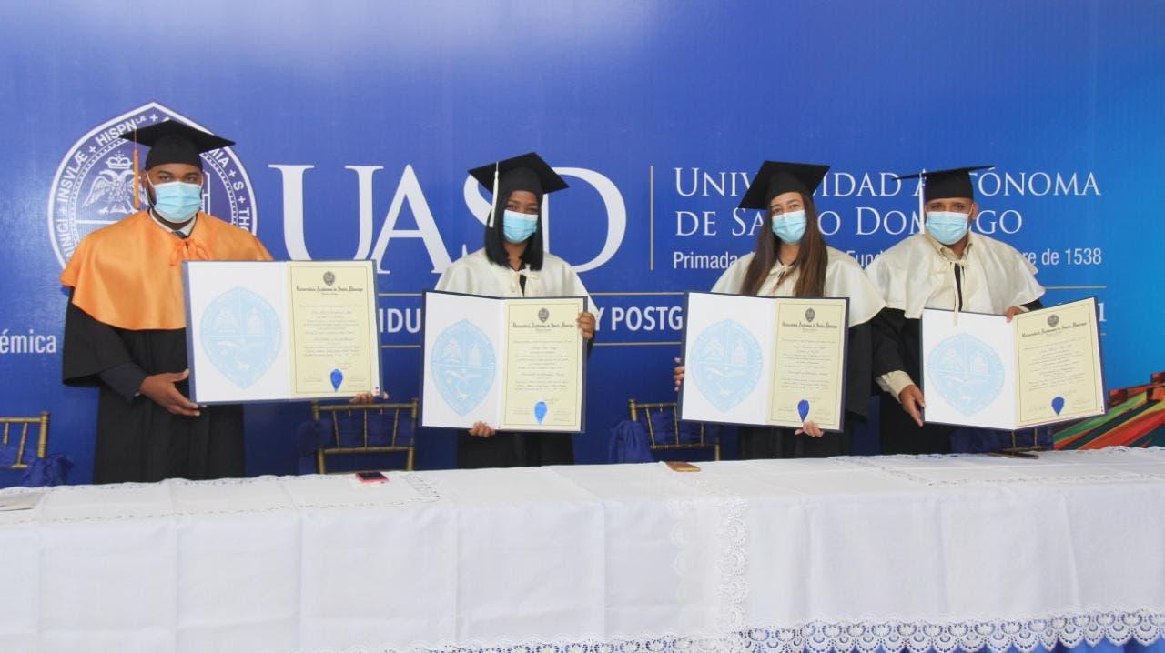 UASD gradúa 2, 000 profesionales de grado y postgrado