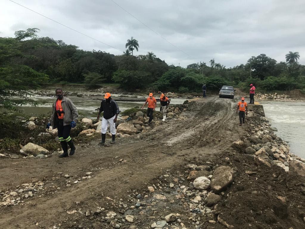 Restablecen paso a comunidades estaban aisladas tras crecida río Bajabonico