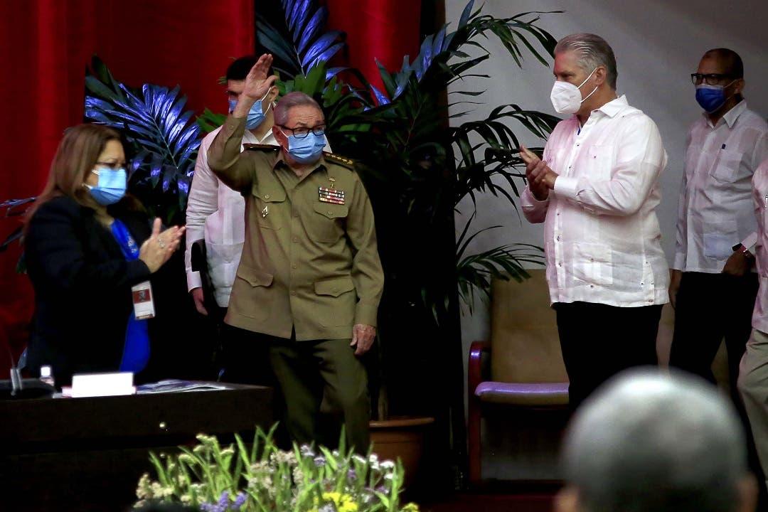 Raúl Castro deja la dirección del Partido Comunista de Cuba