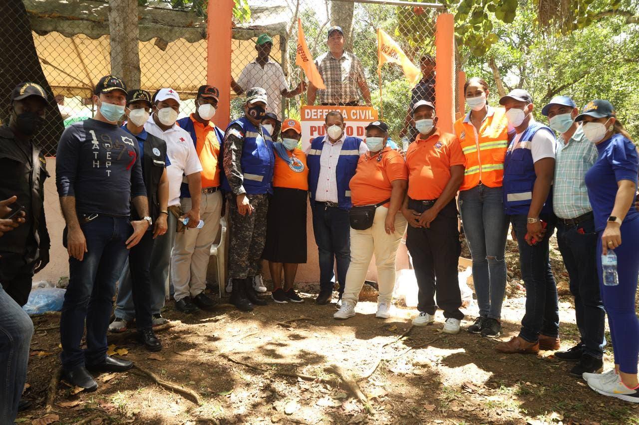 Alcalde y autoridades de SDN supervisan balnearios de ese municipio